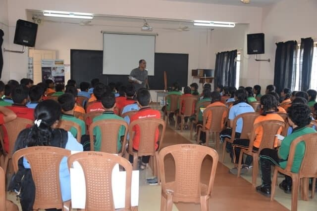 Motivational Workshop Held for Class IX